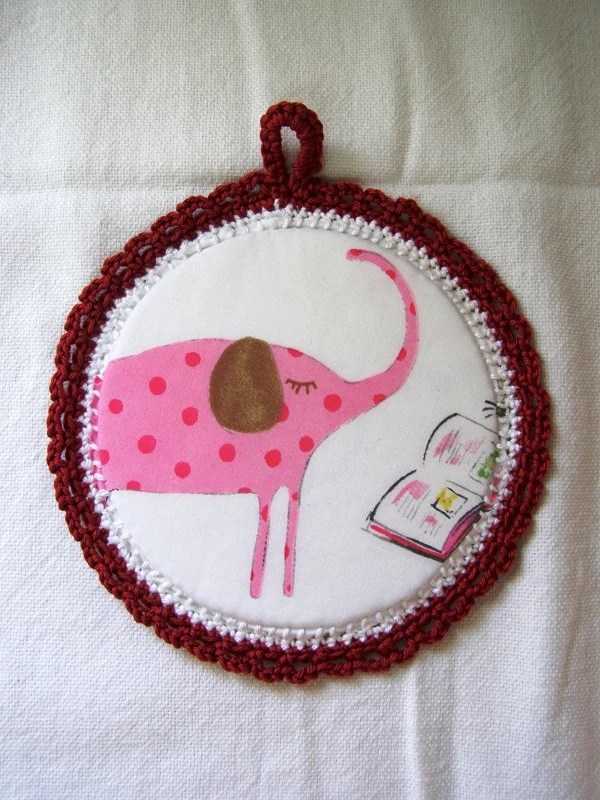 wall art for kids. Elephant reading a book - Fabric Pictures in a Crochet frame - Red cotton yarn