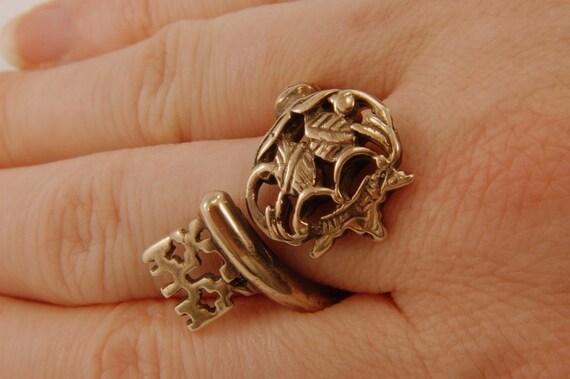 Skeleton Key Ring Bronze Adjustable Ring - Gwen DELICIOUS Jewelry Design