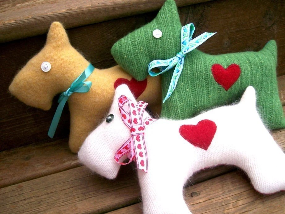 PDF Pattern - Recycled Wool Scottie Dog Plush - Hottie Scottie