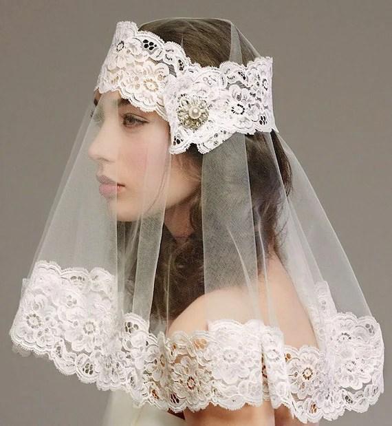 Ultra-modern shoulder length veil - Style: 0038