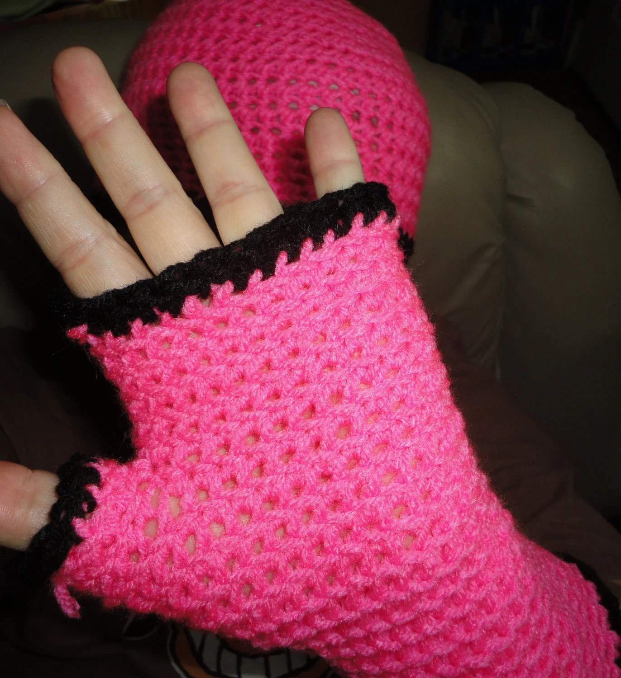 Hot pink with black trim 100% Nylon fingerless gloves & hat set