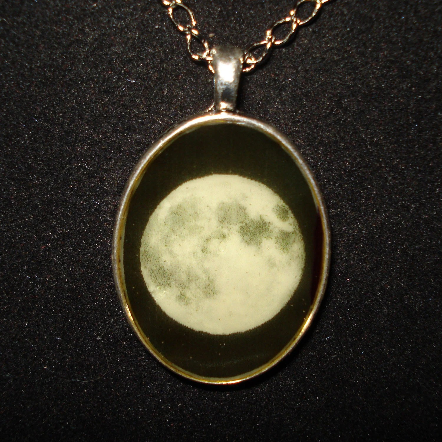 Full Moon Necklace Pendant Glow In The Dark