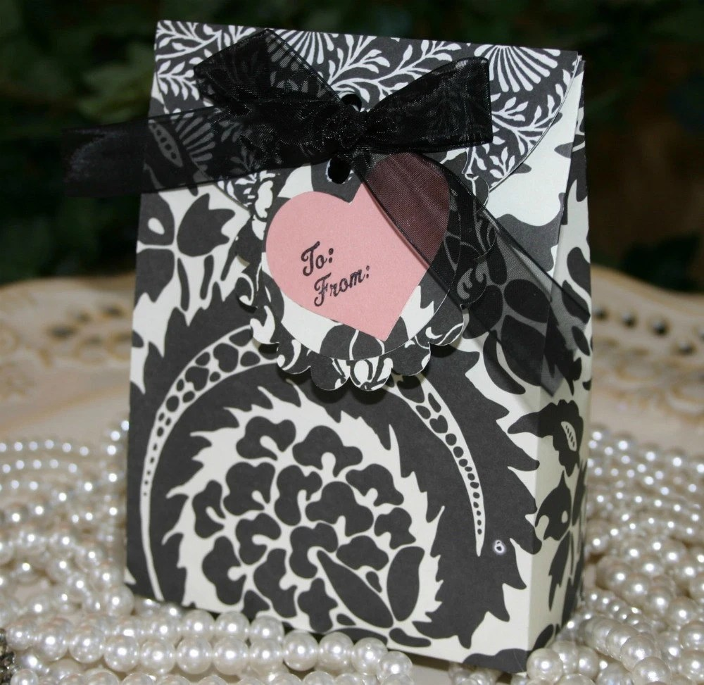 Black Design Gift Box Set - FREE Shipping Valentine's Day, Birthday, Wedding or Party Gift Bag Wrap, handmadewithlove13