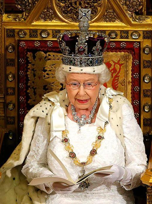 Короли рекордсмены, больше всех просидевшие на троне