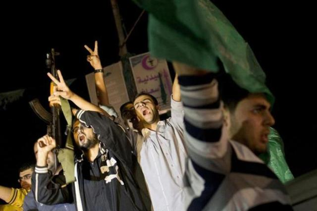 Фотографии: палестинцы празднуют победу