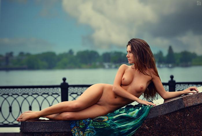 Девушка фотограф ню фото