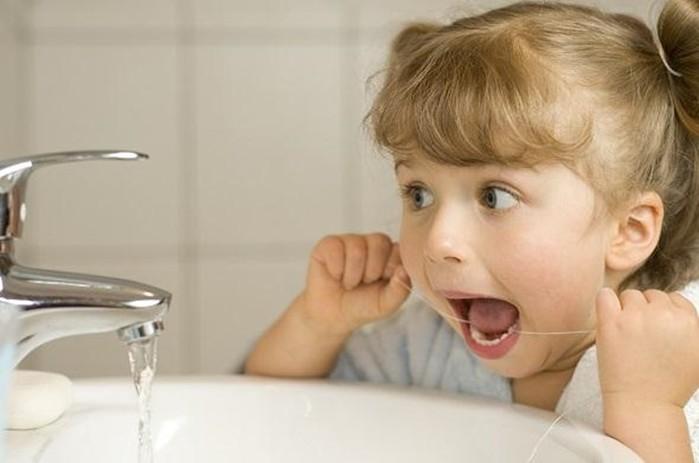 Причина кариеса у детей   не сахар, а бактерия!