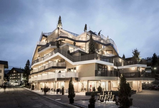 Интерьер отеля в итальянском курортном городке Сан Кассиано