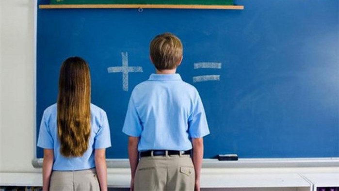 Школьный секс. Должны ли учителя рассказывать детям об интиме?
