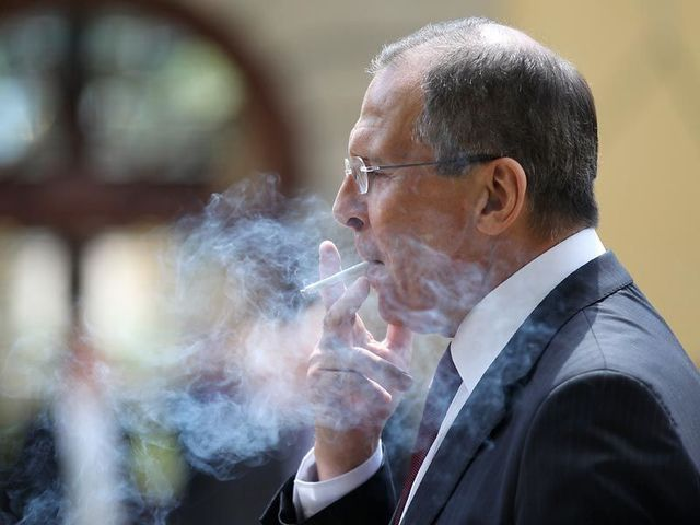 Фрукты опасны для курильщиков