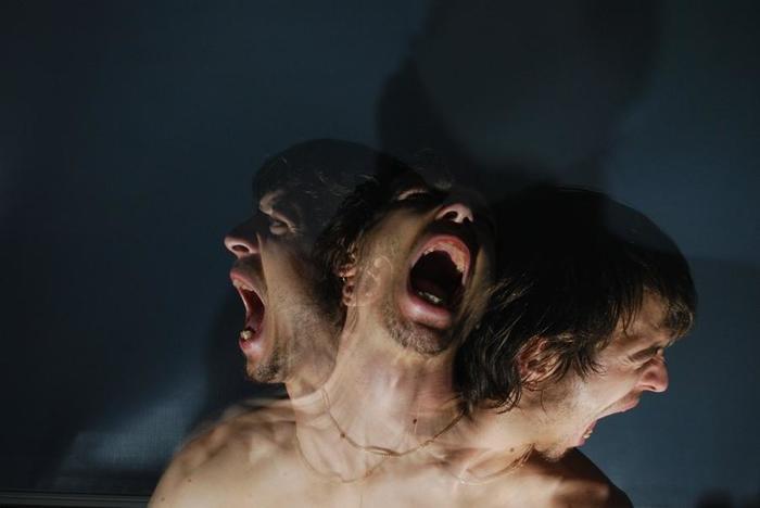 Шизофрения подкрадывается незаметно и отнимает у человека реальность