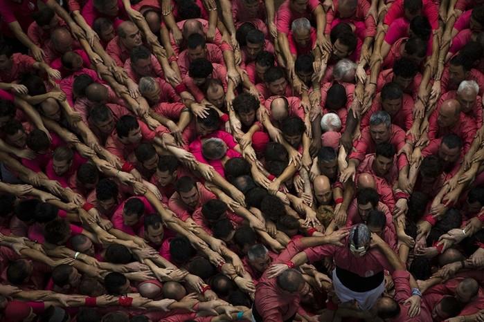 Человеческие башни в Каталонии— традиция создания «кастельс»