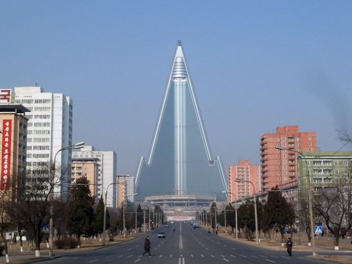 Грандиозные архитектурные сооружения мира, которые совершенно бесполезны