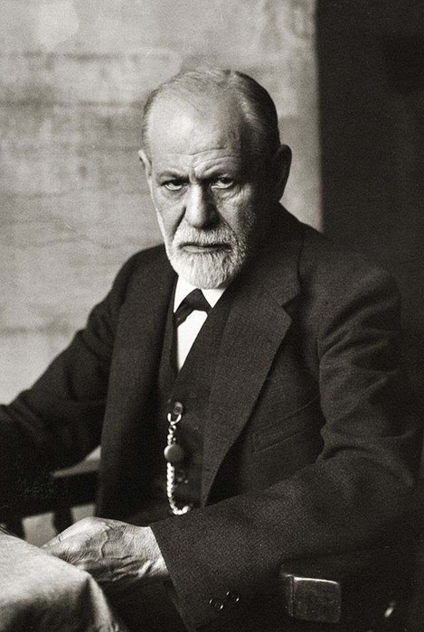 Жизненные истины Зигмунда Фрейда: люди бессильны против комплементов
