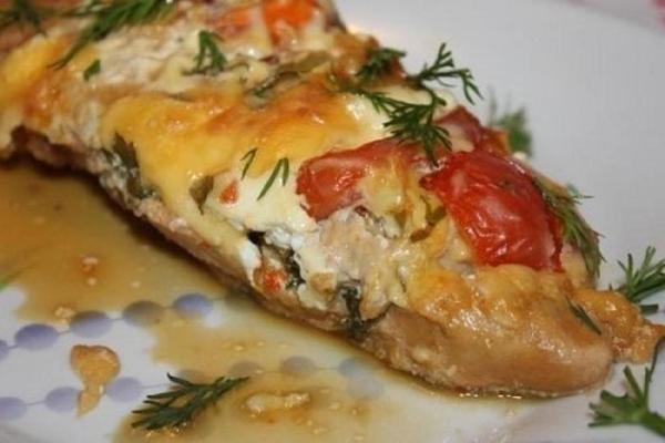Куриное филе с помидорами и сыром— интересный вариант приготовления