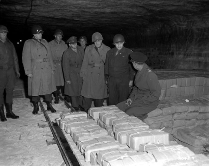 Какие сокровища были затоплены гитлеровцами в озере Топлиц Зее