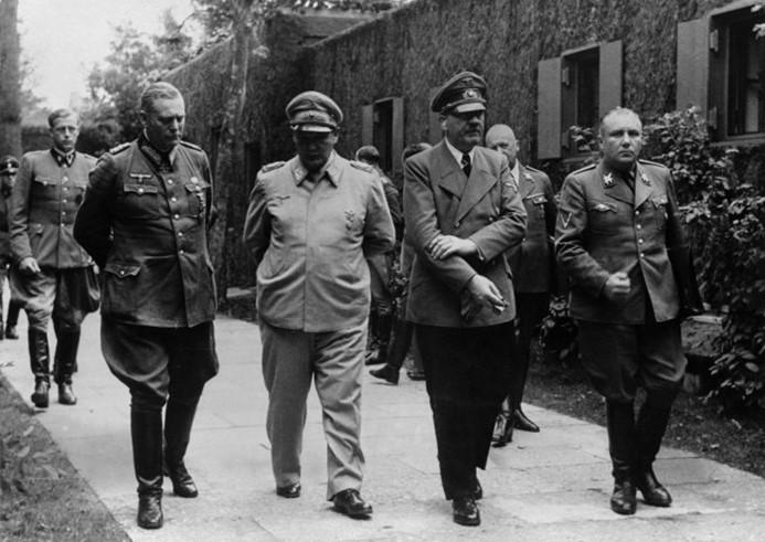 Почему Гитлер казнил главу Абвера адмирала Канариса