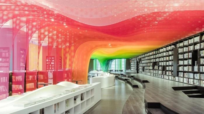 Невероятный интерьер книжного магазина в Китае