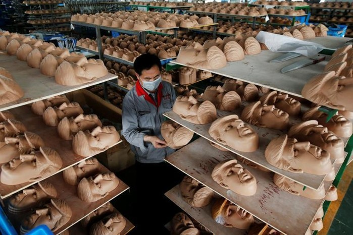 Как работается китайцам на китайских фабриках