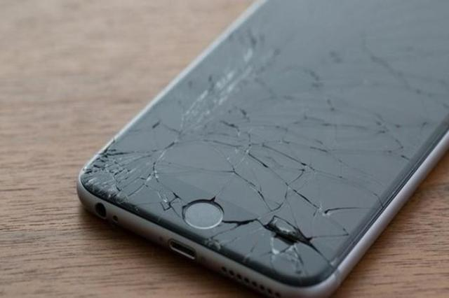 Развод с «разбитым телефоном» в магазине