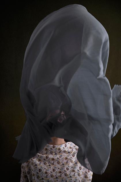 Срыв покровов. Мусульманок заставили скинуть хиджабы