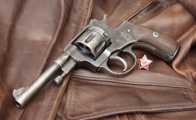 История знаменитого револьвера «Наган»: легендарное оружие НКВД