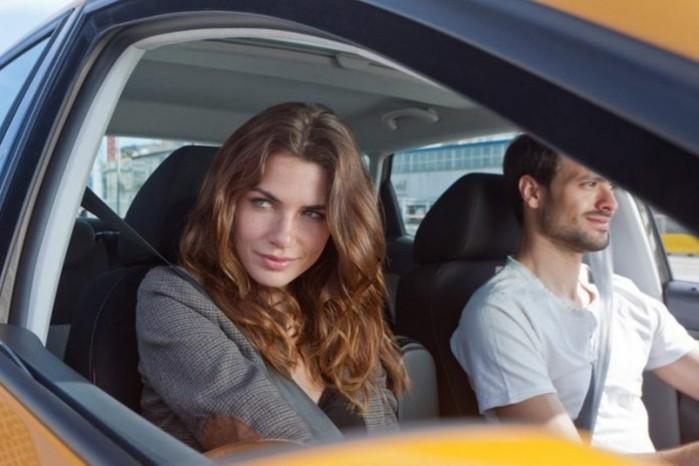 Почему мужчины завидуют женщинам: несколько причин