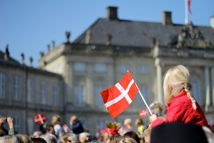 Датские национальные секреты: почему датчане живут без штор и заборов