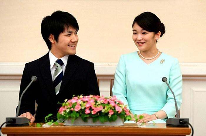 Свадьба японской принцессы Мако с простолюдином перенесена на два года из за «незрелости» пары