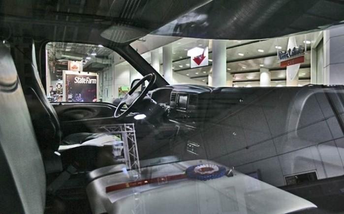 Мини гостиница в самом большом в мире пикапе Ford F 750 World Cruiser
