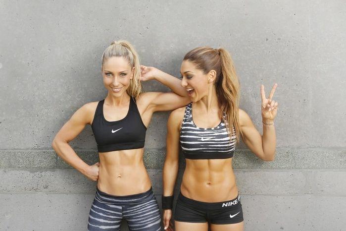 Девушки в спортивных бюстгальтерах: фотографии