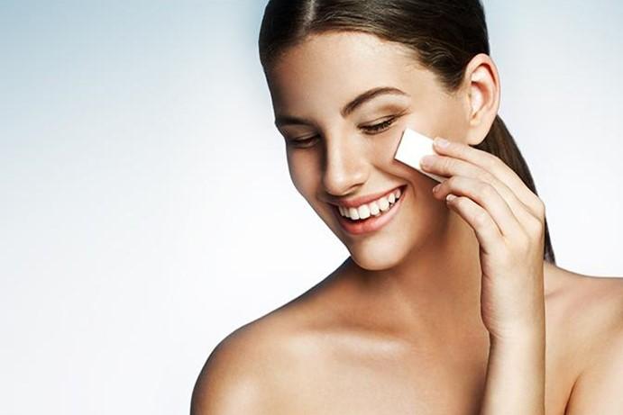 Какие главные правила снятия макияжа