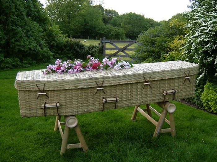Самые странные похоронные ритуалы мира: смерть— это еще не конец