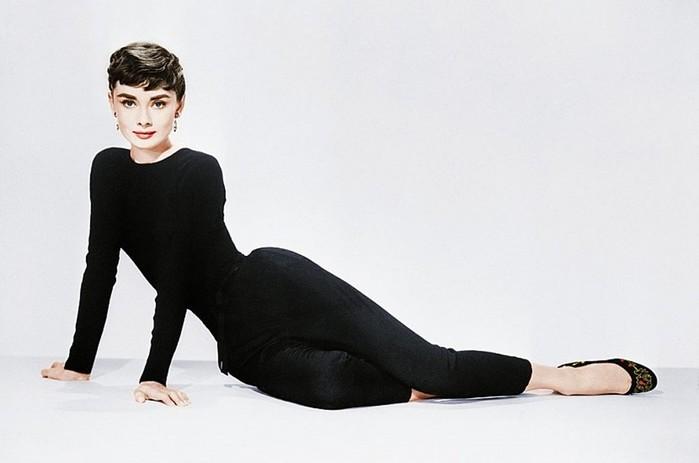 Знаменитости высказались о том, что такое настоящая женщина