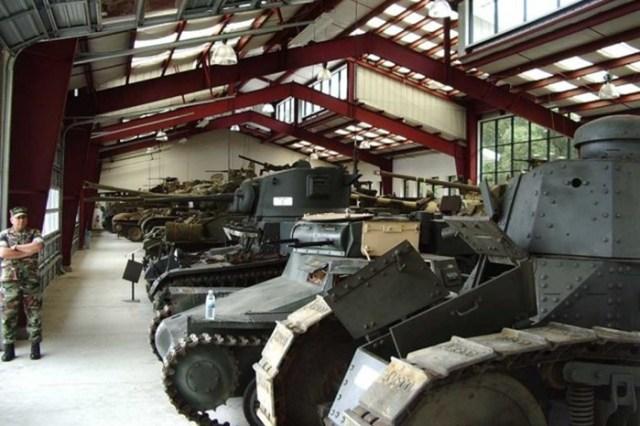 Распродажа коллекции танков Жака Литтлфилда