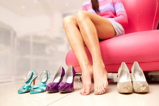 Тесная обувь   не приговор: несколько советов по растягиванию обуви