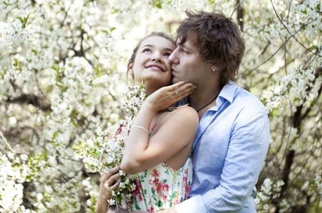 Бабочки в животе: 10 признаков того, что вы влюбились