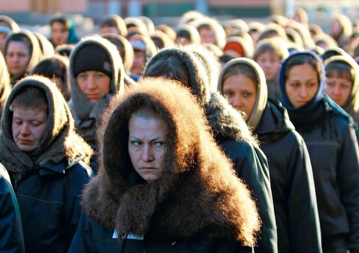 «Опущенные» в женских тюрьмах: вот что с ними делают и почему