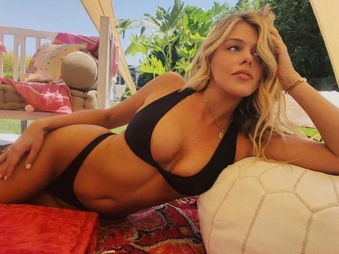 10 фото игривой блондинки Мэдисон Нэгл из инстаграм