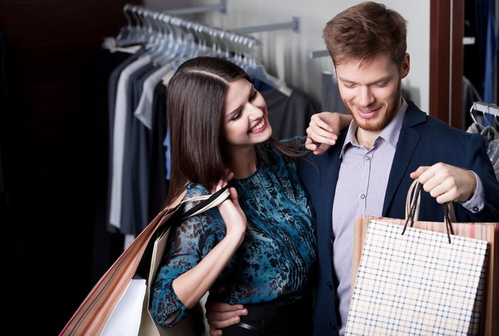 Почему не стоит устраивать совместный шопинг?