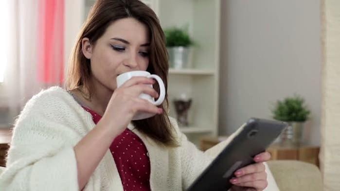Молоко с куркумой и другие «молодильные» напитки, которые необходимы женщинам после 40 лет