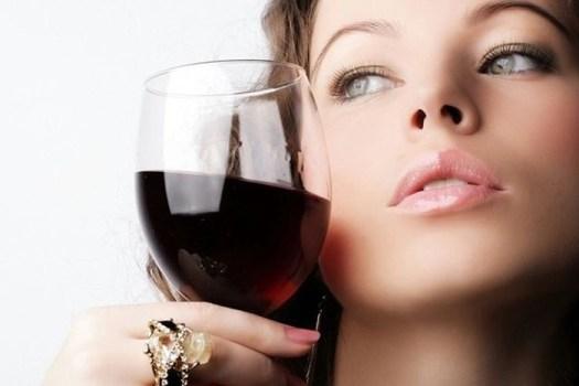 Сколько алкоголя можно пить девушке?