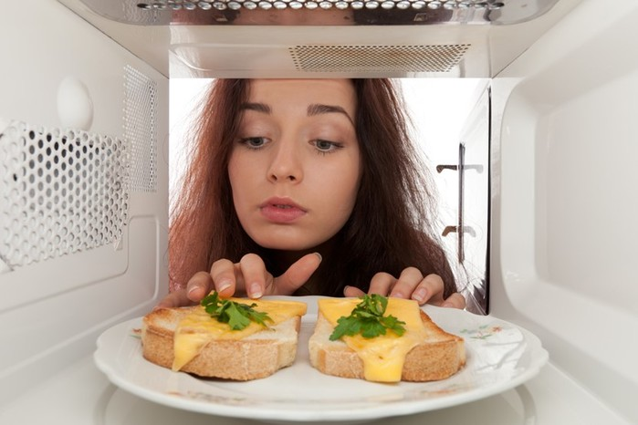 5 мифов о микроволновке, в которые пора перестать верить