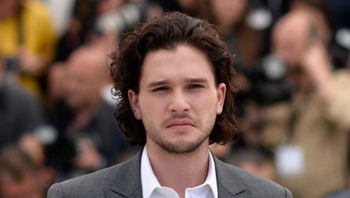 Актер объяснил, почему у Джона Сноу иногда нет бороды