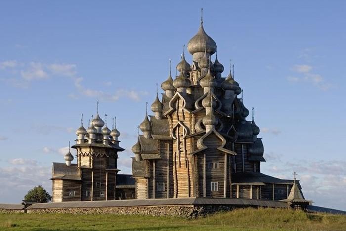 Какие 10 самых красивых городов России?