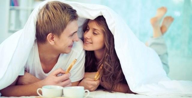 Вечером или утром: когда лучше заниматься любовью?