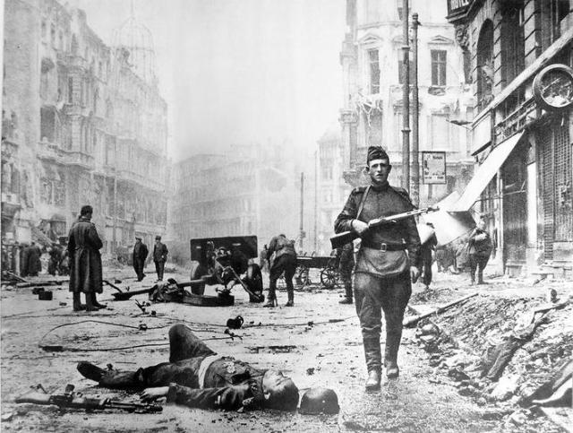 «Русские варвары!»: что творилось в побежденной Германии после войны