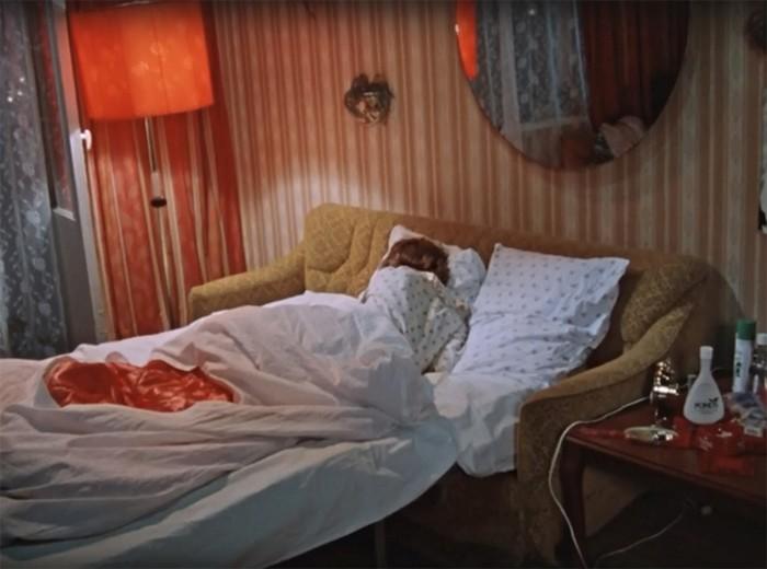 Убогий совок в фильме «Москва слезам не верит»