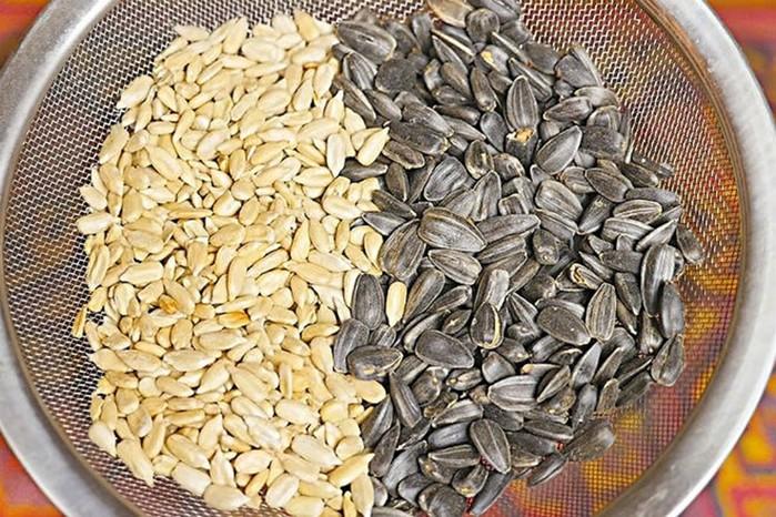Как быстро очистить килограмм семечек