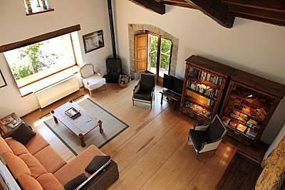 Casa de 6 habitaciones con 4* y jardín privado Soria